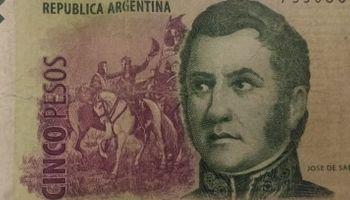 Sacan de circulación los billetes de 5 pesos
