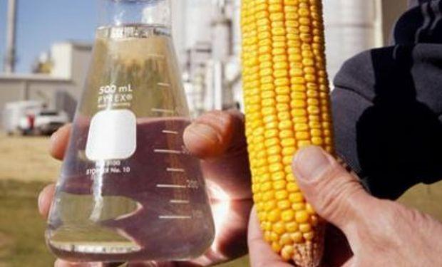 Automotrices, a favor de duplicar el contenido de bioetanol en la nafta