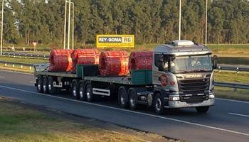 Comenzaron las pruebas con camiones bitrenes en la ruta 9