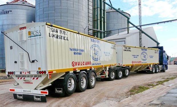 Sectores industriales festejan la llegada de bitrenes pero transportistas ponen reparos.