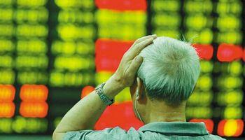 China se hundió otra vez y reflotó temor a una burbuja
