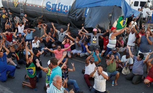 Camioneros brasileros realizaron una huelga que duró 10 días y afectó la libre circulación.
