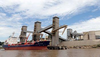 Gremios se declaran en alerta y amenazan con suspender el servicio de amarre de buques