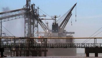 Bajante del Paraná afecta a 61 buques en el Gran Rosario