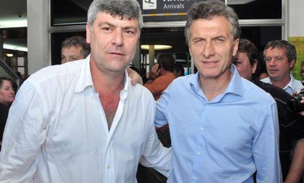 Aunque comparten su pasión por Boca, dicen que a Macri no le dio mucha gracia que su ministro le ahogara el grito de gol.