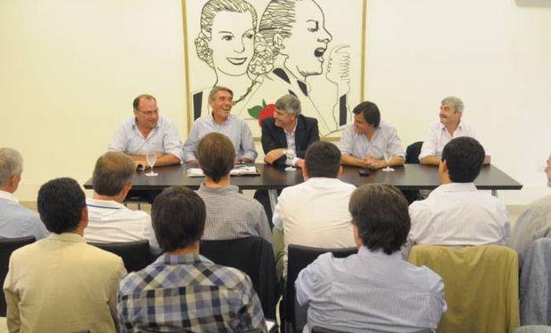Junto al Ministro participaron, Alloatti, Negri, Hardie y Roulet.