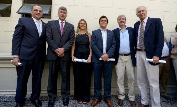 (Izq. a der.) Ricardo Negri, Ricardo Buryaile, Marisa Bircher, Santiago Hardie, Nestor Roulet y Guillermo Bernaudo.