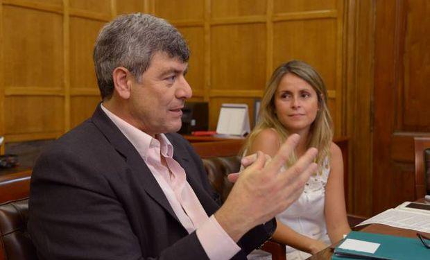 """Importación temporaria de soja: """"no creemos que afecte a los productores argentinos"""" expresó Buryaile."""