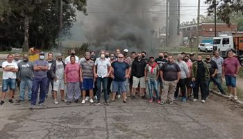 Ante el reclamo de los trabajadores de Buyatti, la Cámara de Aceiteros pidió libre circulación de camiones