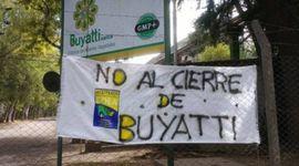 Aceiteros se declararon en alerta ante el inminente cierre de la planta de Buyatti