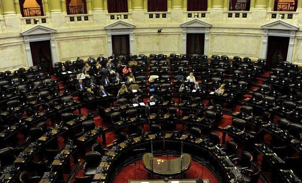 La sesión del 8 de mayo se diluyó ante la falta de acuerdos del oficialismo contra la oposición. Buscan incluirla la semana próxima.