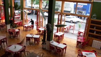 Restricciones por Covid en CABA: reabren el interior de bares y regresan las clases presenciales