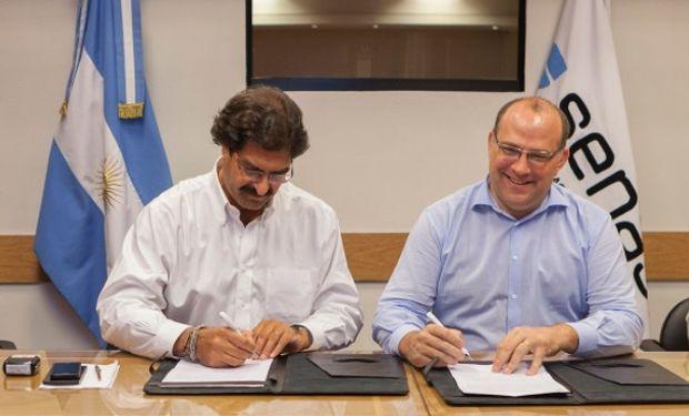 Cadena láctea: el Senasa firmó un convenio de cooperación con el Ministerio de Agroindustria de la provincia de Buenos Aires.