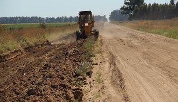 Buenos Aires impulsa un plan de mejora de caminos rurales