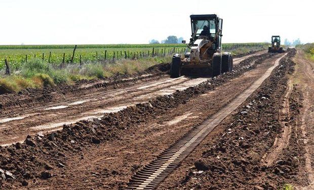 """Argentina tiene los mismos caminos rurales desde hace más de 40 años""""   Agrofy News"""