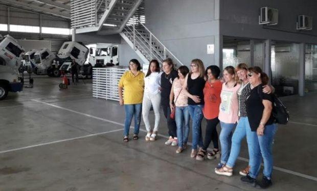 Homenajeando a esta profesión, Volkswagen da a conocer este primer encuentro de mujeres camioneras en el Concesionario Devol.
