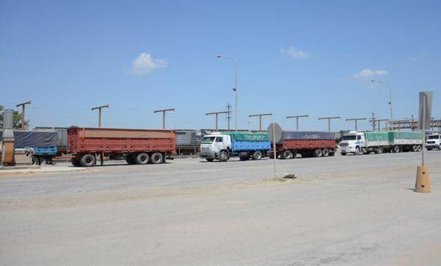 Bahía Blanca: se levantó el paro de transportistas y los puertos comenzaron a entregar cupos