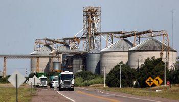 Cosecha: en mayo ingresaron 161.745 camiones con granos a los puertos
