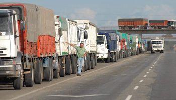 Santa Fe espera 14 mil camiones diarios para la cosecha 2021: buscan ordenar el tránsito y la seguridad