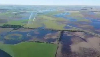 Así se ven desde el aire los campos bajo el agua en el norte de La Pampa