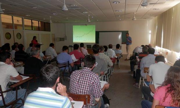 Asistieron más de 50 Ingenieros Agrónomos de las Provincias de Buenos Aires, Córdoba y Santa Fe.