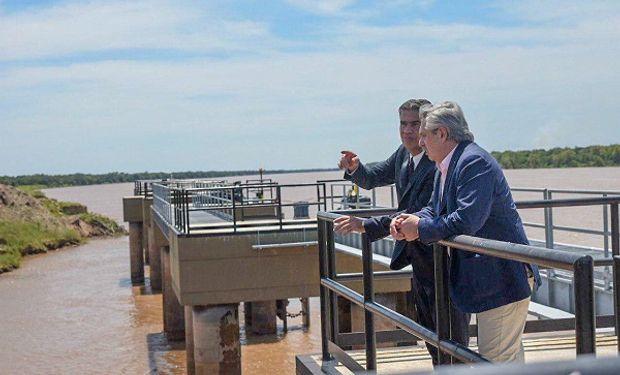 Alberto Fernández y Jorge Capitanich en el puerto Las Palmas.