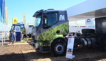 Volvo presentó en Expoagro el camión ideal para el campo