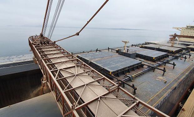 Brasil carga más de 104 mil toneladas de harina de soja en un buque y establece un nuevo récord