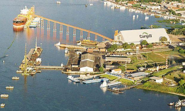 Cargill y Dreyfus paran plantas en Brasil.