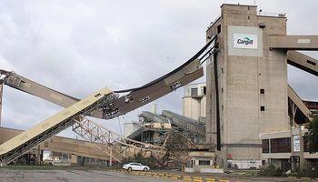 Así quedó el puerto de Cargill tras el paso del huracán Ida