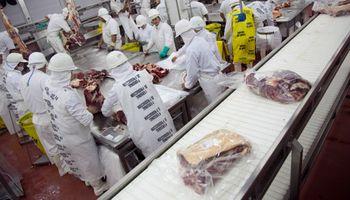 La respuesta oficial del Gobierno a la supuesta detección de Covid-19 en un empaque de carne argentina