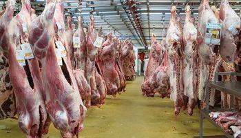 El consumo de carne tocó un piso, pero despegan las exportaciones