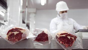 Fuerte baja para el precio de la carne exportada: retrocedió un 15,4 % en relación a 2019