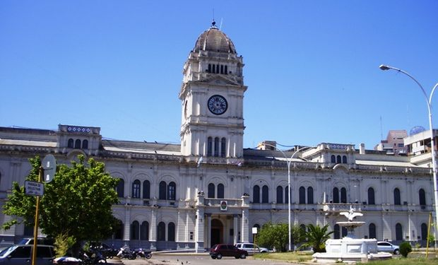 Entre Ríos sube impuestos a la industria y el campo para financiar aumentos a estatales