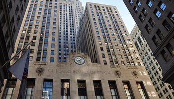 El mercado de Chicago opera con leves variaciones aguardando el informe de oferta y demanda