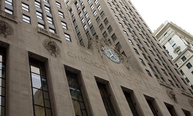 Chicago opera con bajas para la soja y el maíz