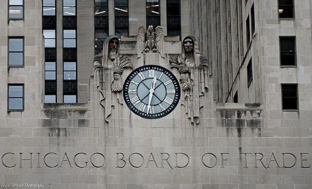 Bajas en Chicago a la espera del informe del USDA.