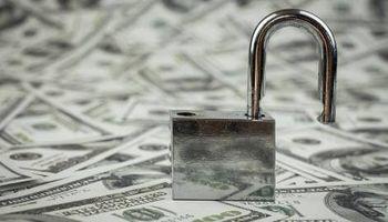 Dólar: en medio de los rumores de un mayor cepo, el blue subió $ 6 esta semana