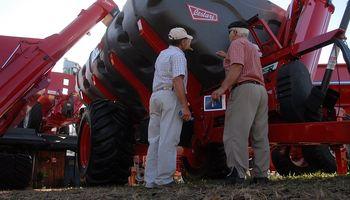 Maquinaria: la industria mejoró con la cosecha récord, pero sigue la incertidumbre