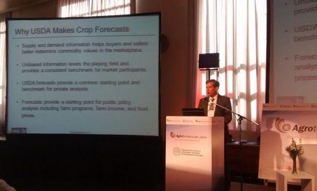 Chambers señaló que 2014 mostrará producciones record de soja, maíz y trigo, que llevará a un aumento de los stocks de esos tres granos.