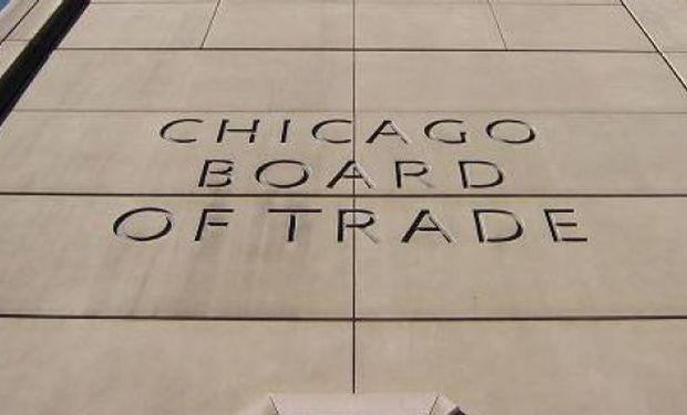En el Mercado de Chicago los futuros de soja finalizaron con bajas tras la fuerte caída de las exportaciones semanales estadounidenses.