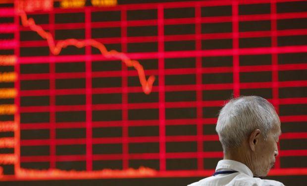 Analistas estiman que continuará la fuerte corrección en la bolsa china.