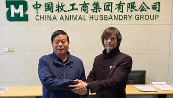 De la foto con veganos a la reunión con inversores chinos para instalar granjas seguras, sostenibles y sustentables