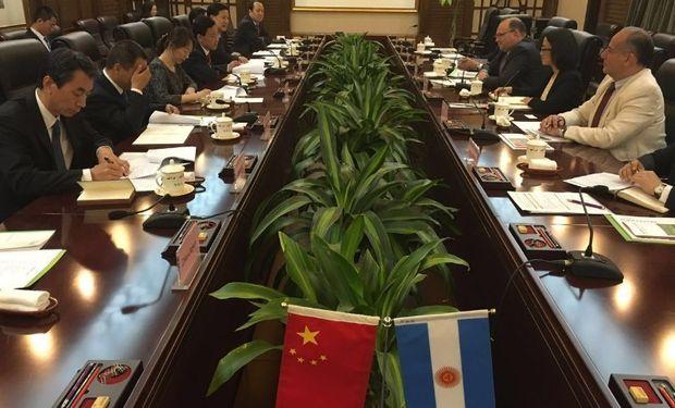El secretario de Agricultura mantuvo diversas reuniones en ese país.