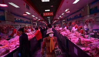 Coronavirus: suspenden la venta de alimentos en el mayor mercado al por mayor de China