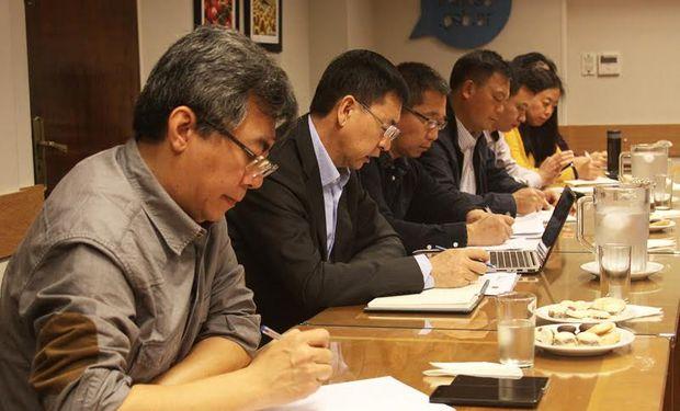 La delegación china, acompañada por profesionales del Senasa, visitó 12 establecimientos.