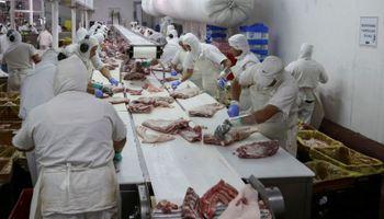 Desde San Andrés de Giles se realizó el primer embarque de carne porcina de alto valor agregado a China