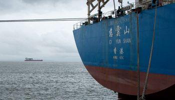 Subas para la soja: China habría comprado al menos 8 cargamentos de Estados Unidos