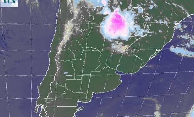 Actualmente los cielos despejados dominan la escena, tal como puede apreciarse en la imagen satelital.