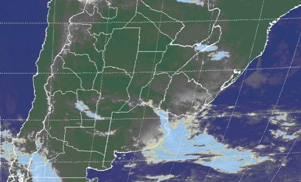 En la foto satelital, la mayor parte de las coberturas nubosas que se despliegan no son de gran desarrollo.